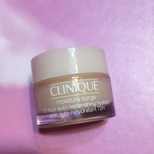💋4/$26! Clinique moister surge